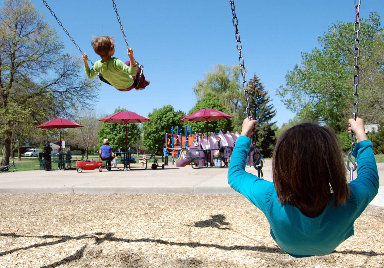 kids-swing-playground