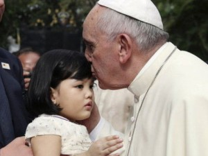 Pope-in-Philippines-Ryan-Lim-AP-e1441267552474-660x350-1441268680