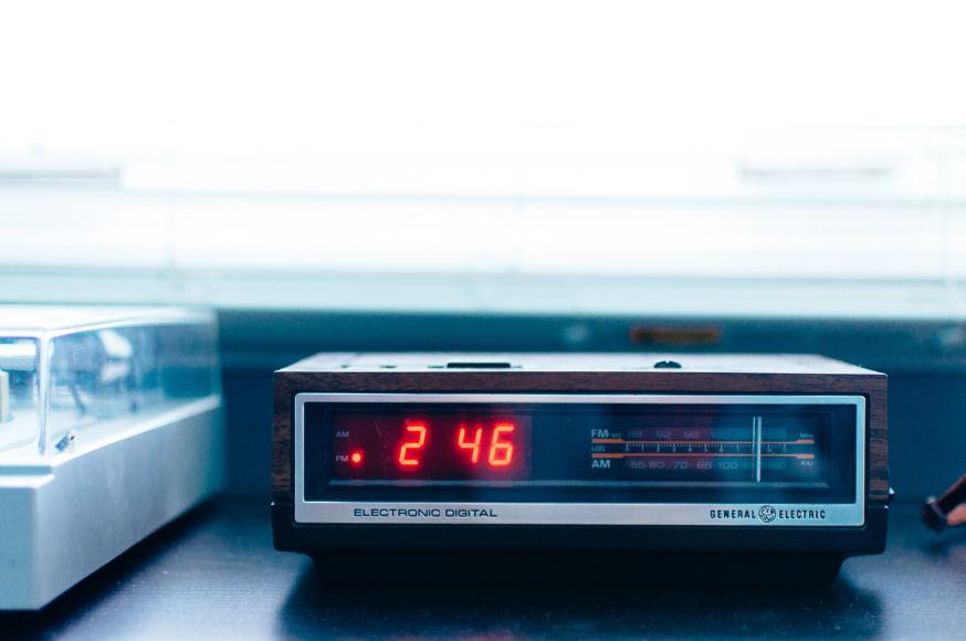 web-alarm-clock-digital-otaillon-cc