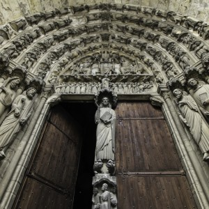 web-notre-dame-door-paris-fr-lawrence-lew-op-cc