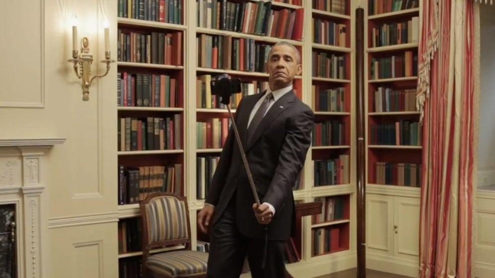 Obama-Selfie-Stick-998x561