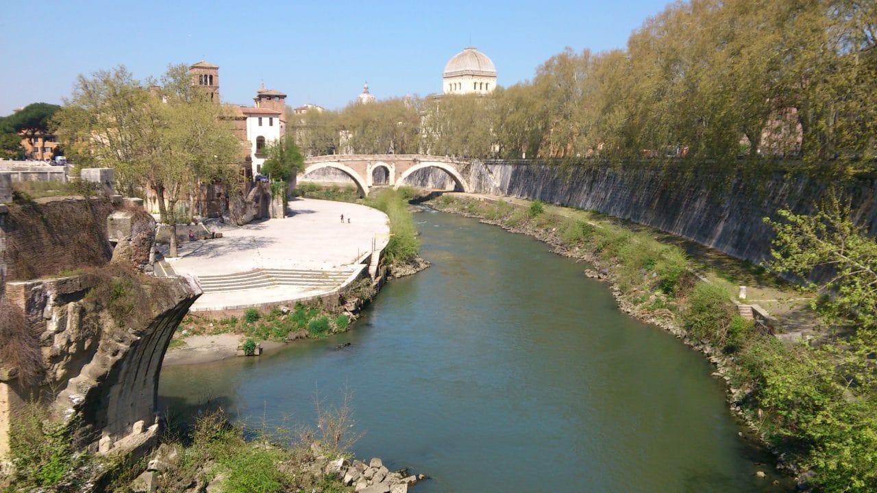 Tiber_River_(Rome)