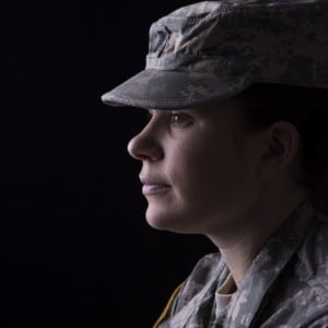 American-soldier-woman-1280x896-998x699
