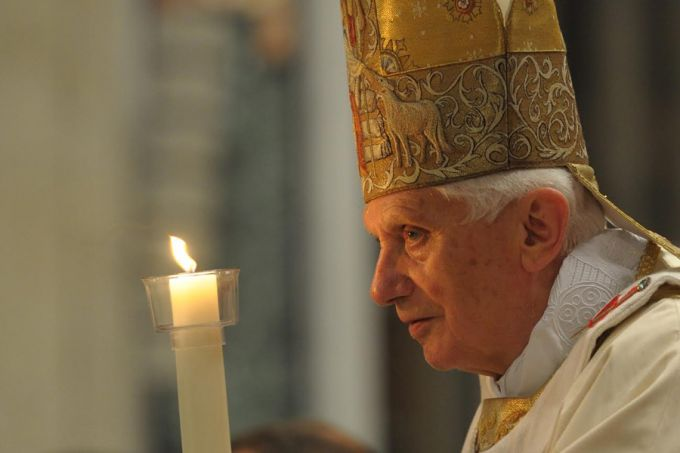 Pope_Emeritus_Benedict_XVI_holding_the_Pascal_Candle_2_on_Easter_Vigil_Saturday_April_7_2012_in_Vatican_City_Credit_LOsservatore_Romano_CNA_7_28_15