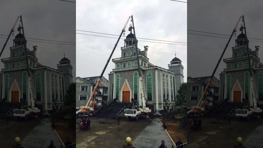 Christians in China are being increasingly persecuted, and a pastor's wife was killed last week protesting demolition of her church (ChinaAid.org)