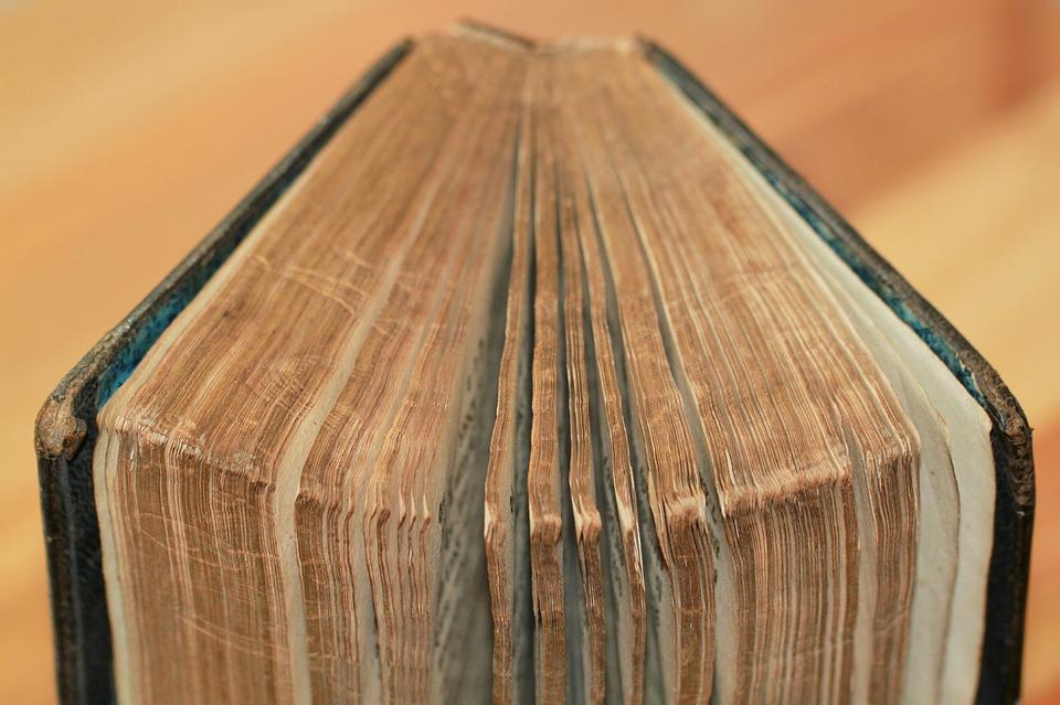 book-1281238_960_720
