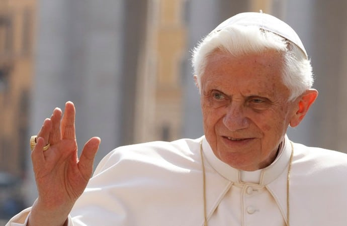 Pope-Benedict-XVI-humility-690x450