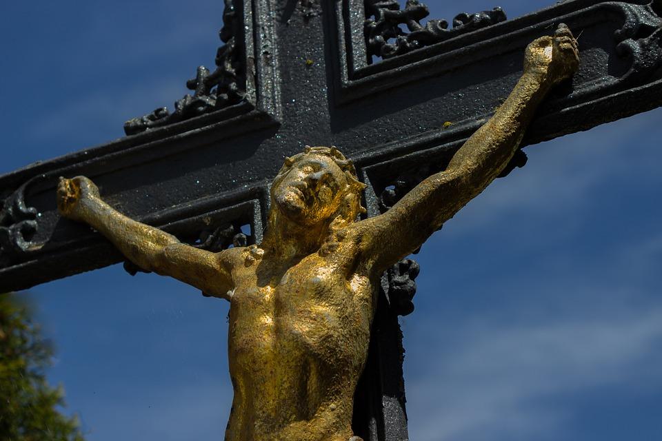 crucifix-1409066_960_720
