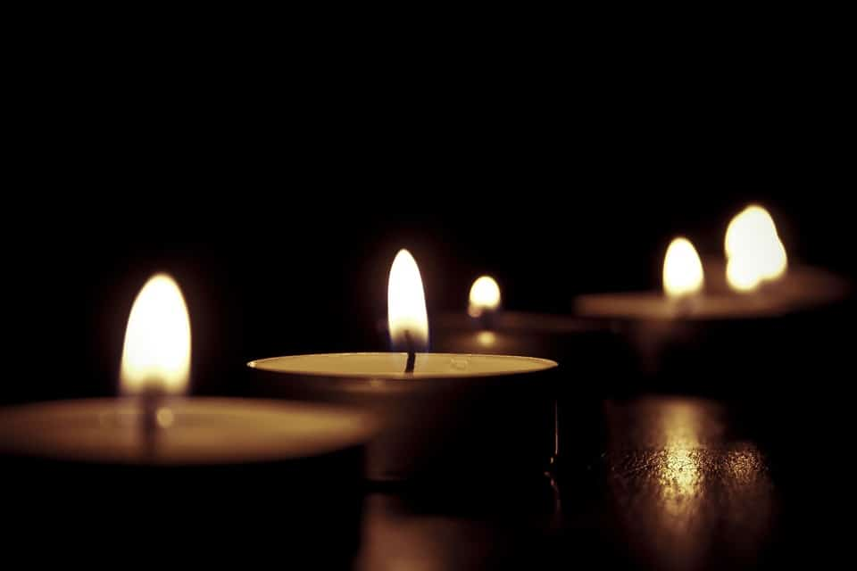candles-209157_960_720