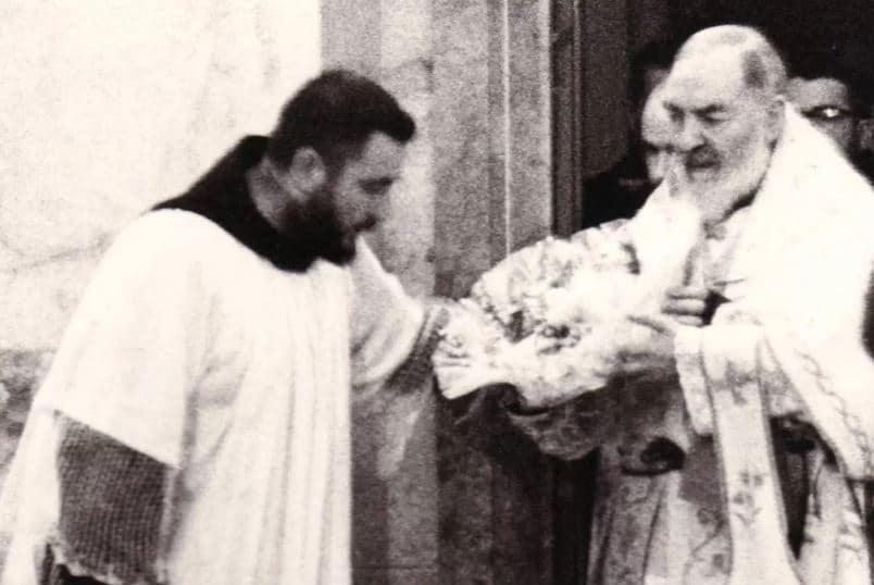the stigmata of padre pio When the ecstasy ended, padre pio had received the visible stigmata, the five wounds of christ, which would stay with him for his remaining 50 years by early 1919.